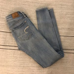 American Eagle Light Wash Skinny Jean